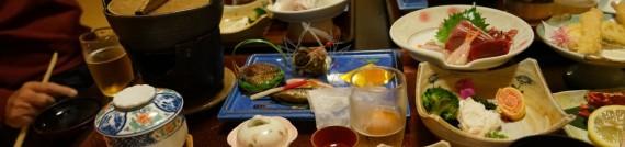 お刺身、天ぷら、茶碗蒸し、お吸い物、…うーん見事な『典型的昭和観光旅館料理』